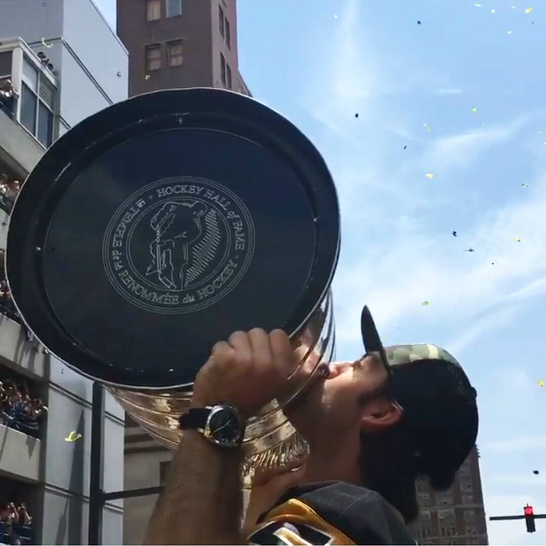 stanleycupparade6152016-15