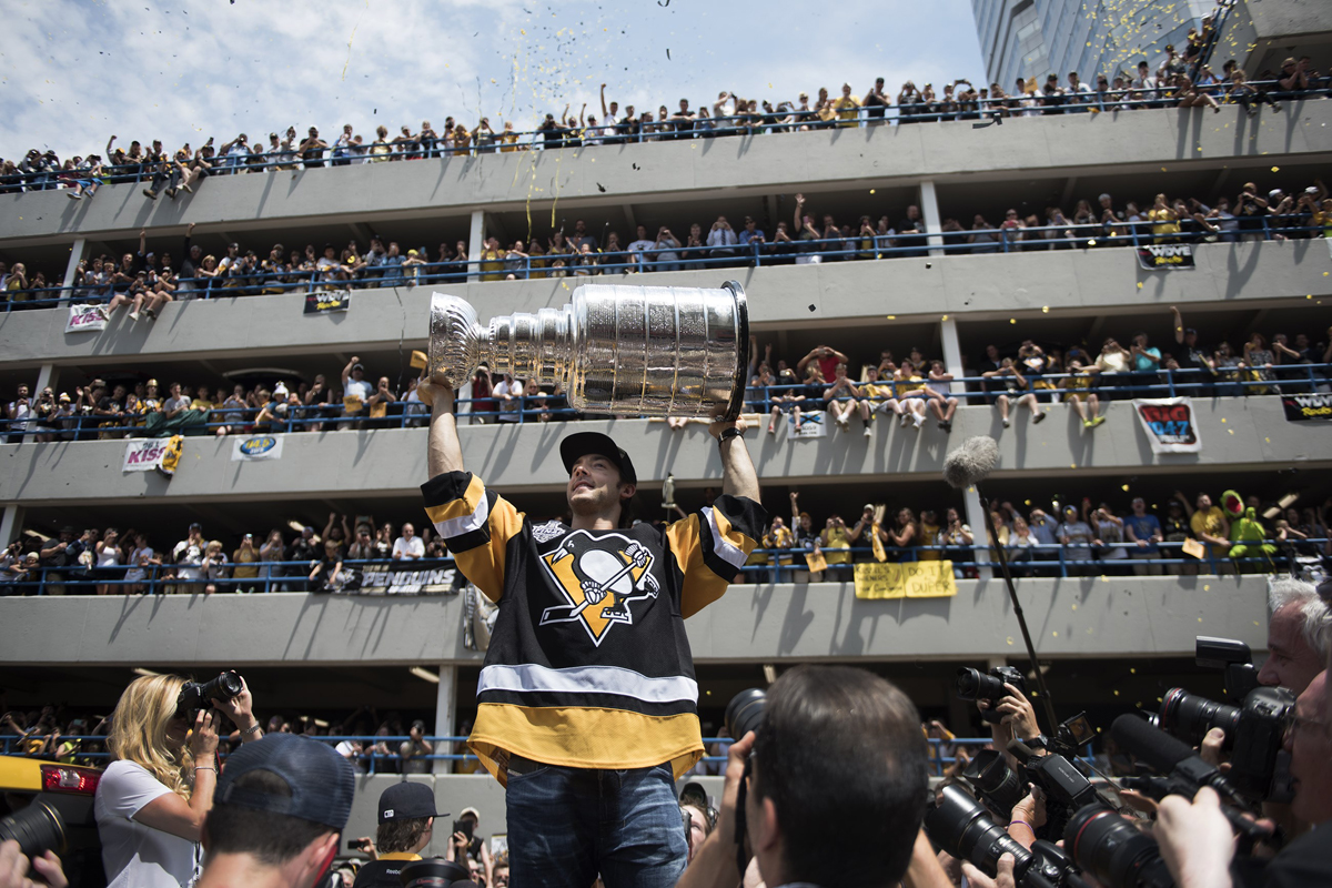stanleycupparade6152016-51