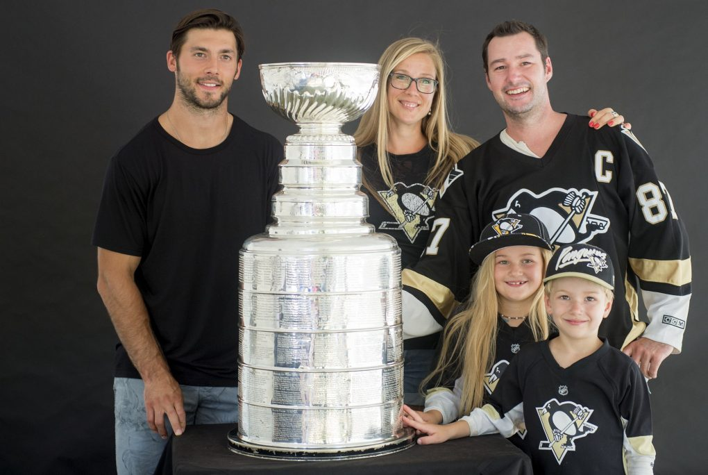 08052016-DaywithStanleyCup12