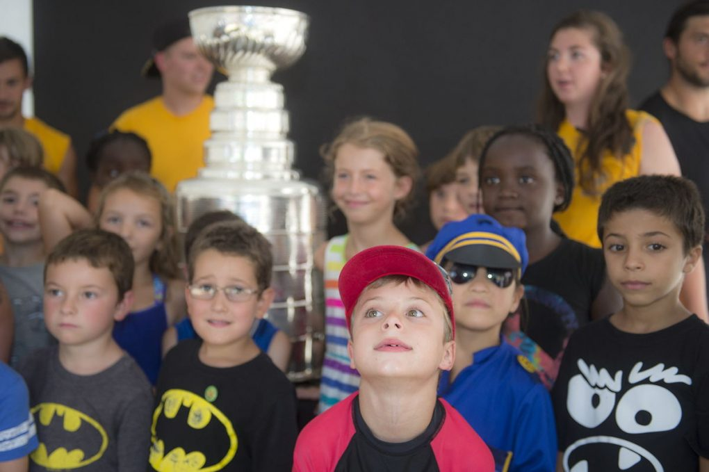 08052016-DaywithStanleyCup13