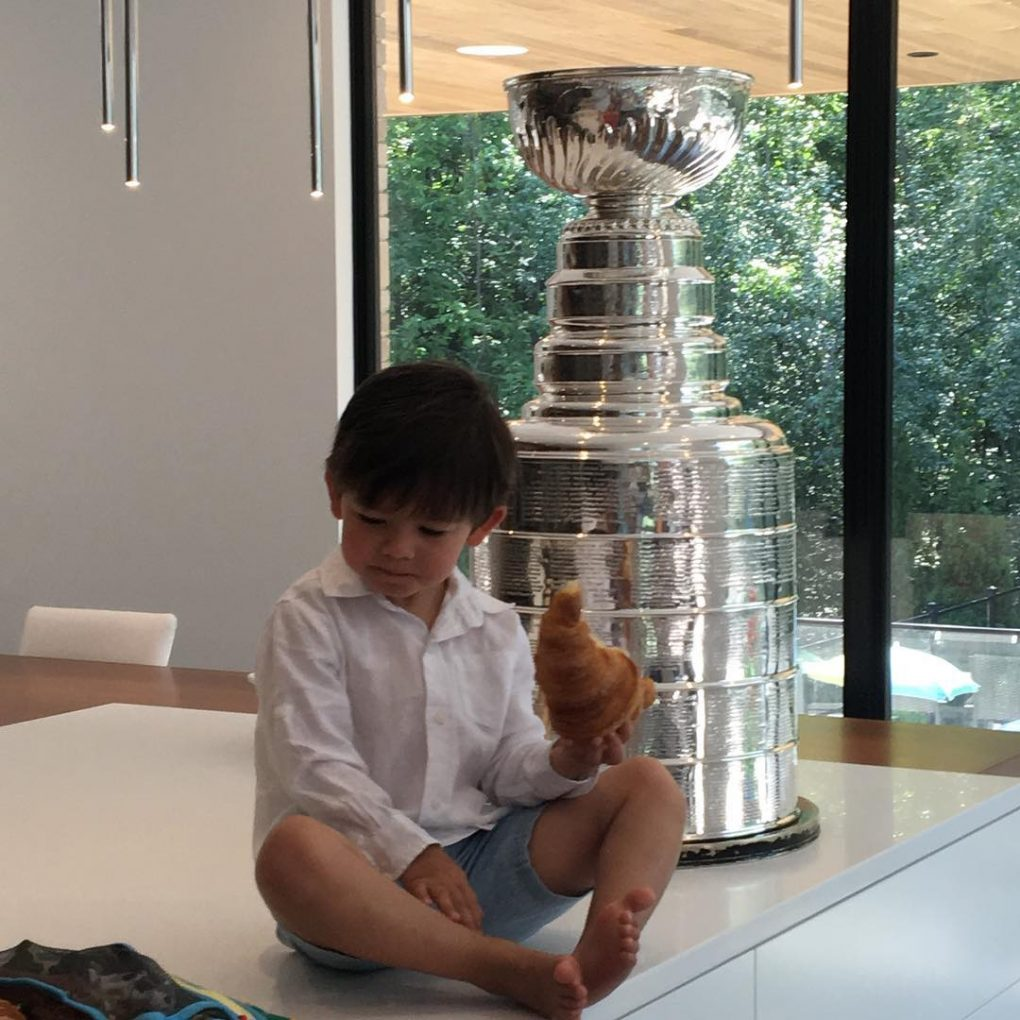 08052016-DaywithStanleyCup17