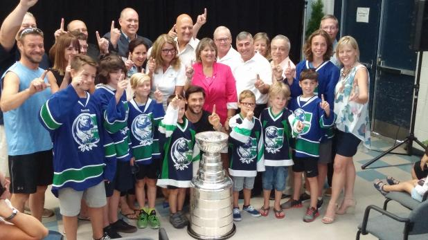 08052016-DaywithStanleyCup24