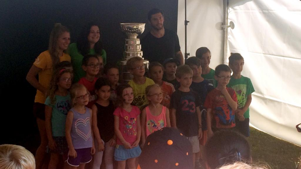 08052016-DaywithStanleyCup7