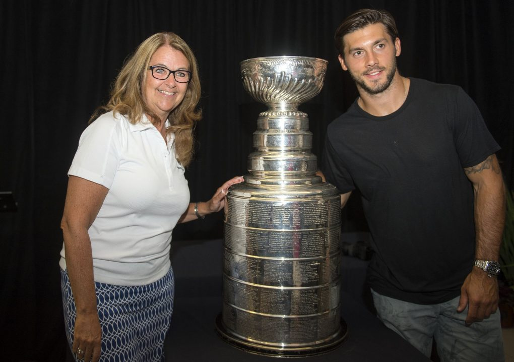 08052016-DaywithStanleyCup9